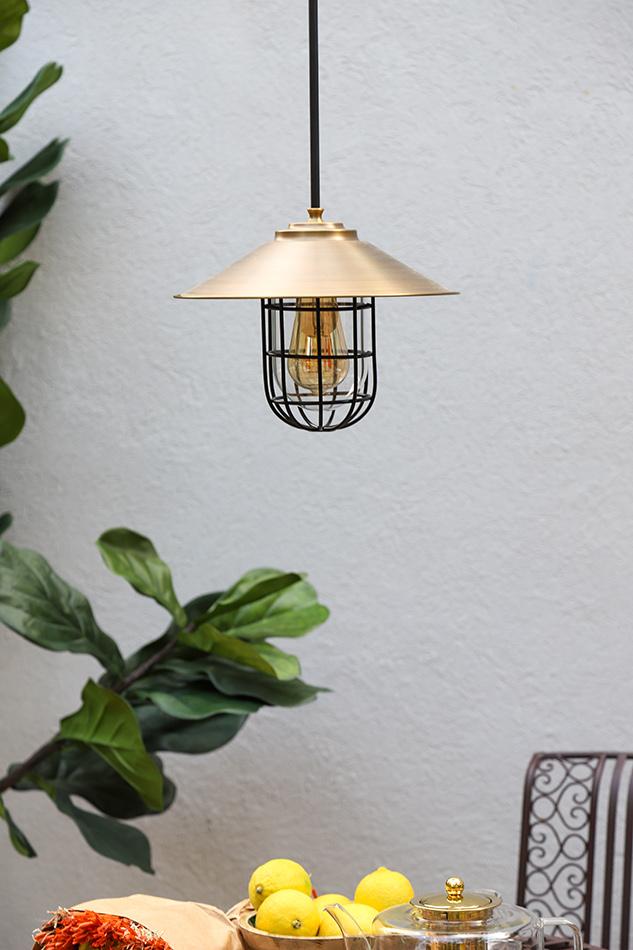 מנורת חוץ תלויה מפליז