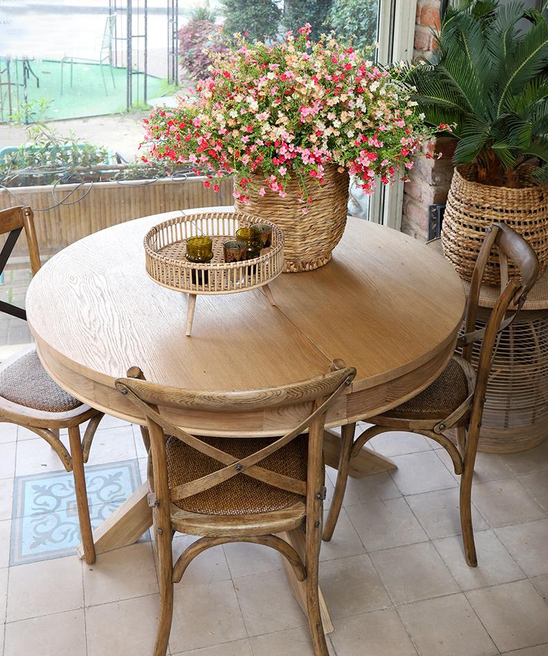 שולחן עגול כפרי נפתח