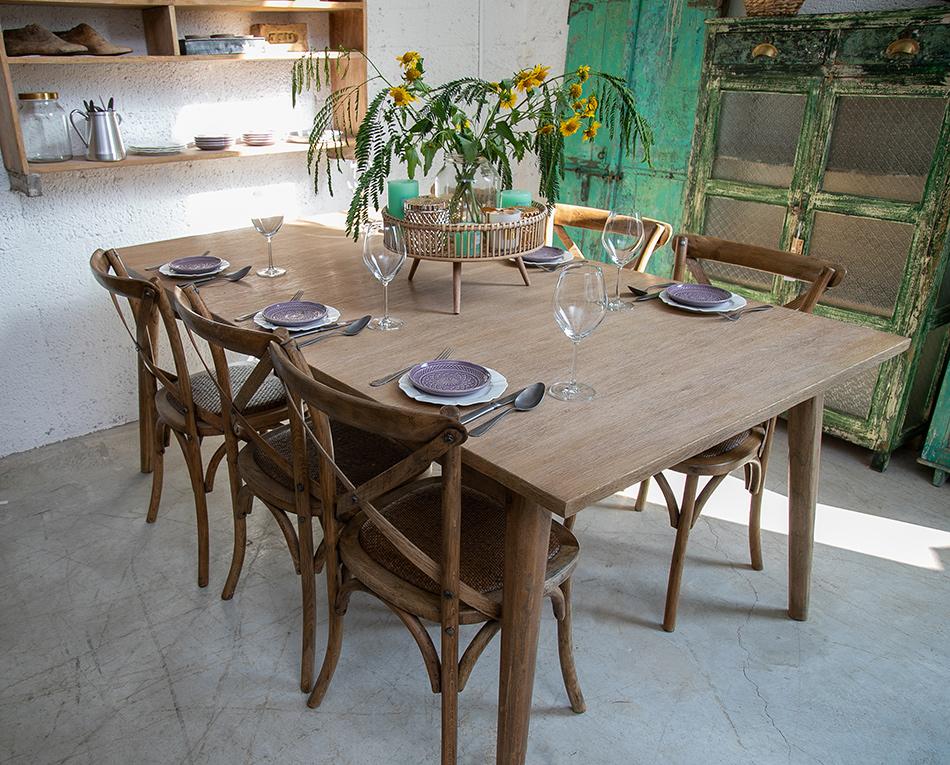 שולחן אוכל כפרי נפתח